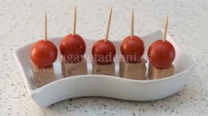 Pincho de Tomate Cherry y Atún 2013-07-28 11-35-19