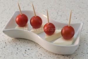 Pincho de Tomate Cherry y Queso 2013-07-28 11-31-09